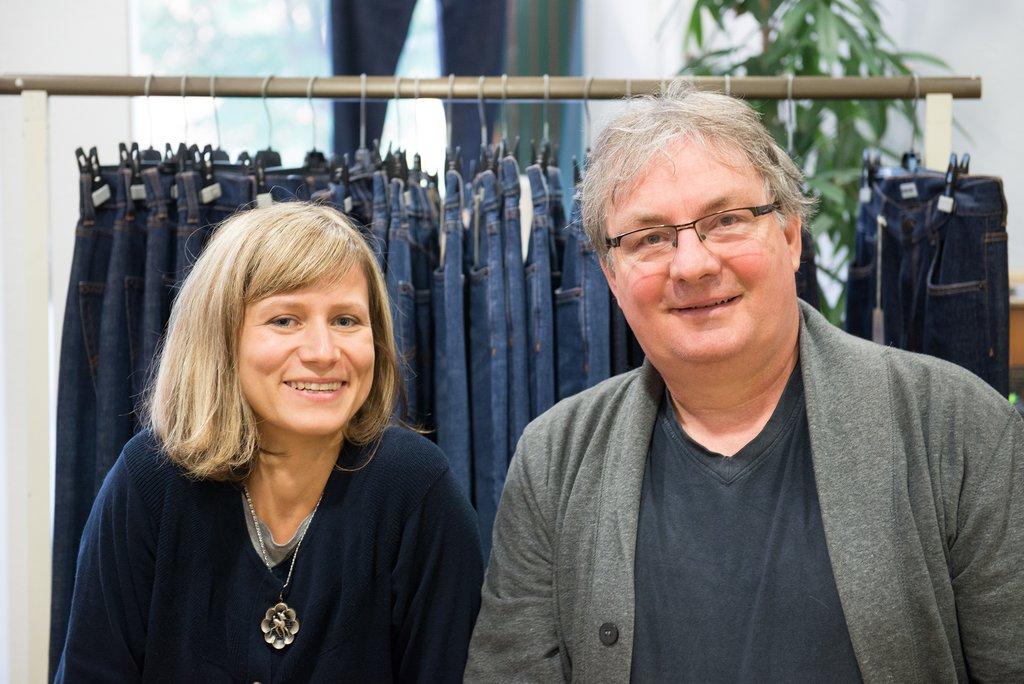 Walter Blauth und Miriam Henninger von fairjeans - Sie entschieden zwischen Shopify oder Shopware
